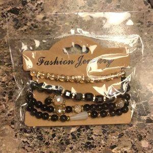 Cute black bracelet ❤️